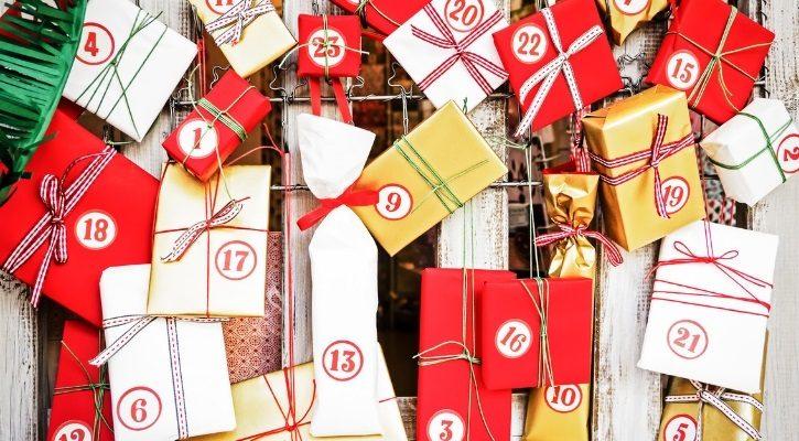 Χριστουγεννιάτικο ημερολόγιο με κουτάκια