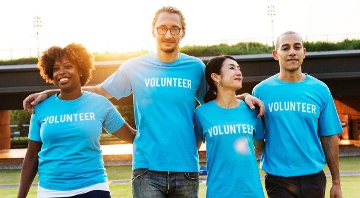Εθελοντής σε φιλανθρωπική οργάνωση