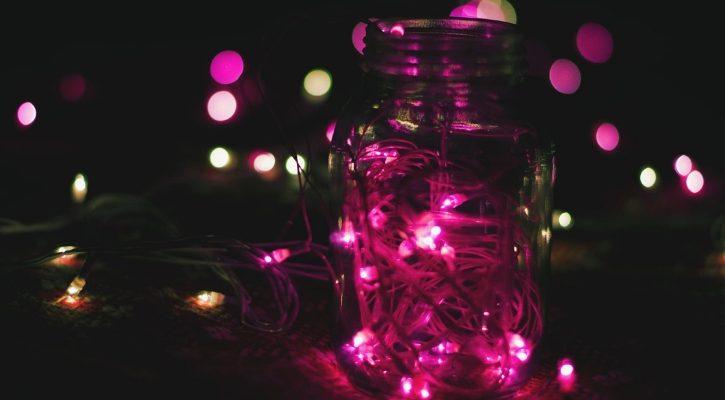 Χριστουγεννιάτικα φωτάκια σε βάζο