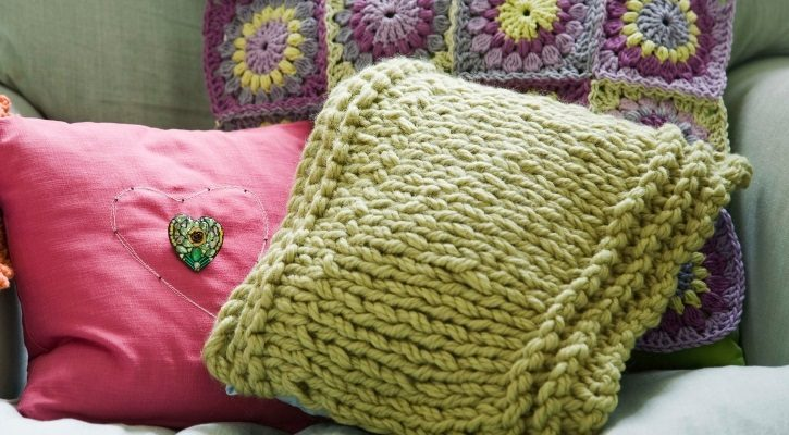 Κορδέλες, υφάσματα και μαξιλάρια χειμωνιατικα