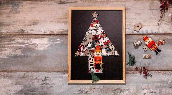 Εναλλακτικό χριστουγεννιάτικο δέντρο από παλιά στολίδια